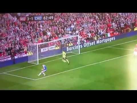 Fernando Torres miss vs Man Utd