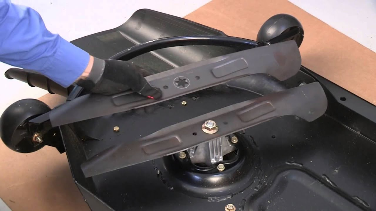 How to Replace the Cutting Blade on XT Enduro Series Lawn Tractors