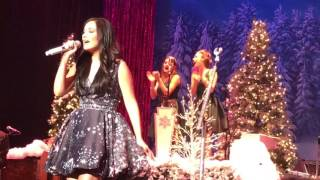 """Ribbons and Bows"" Kacey Musgraves Live Joliet 12.15.16"