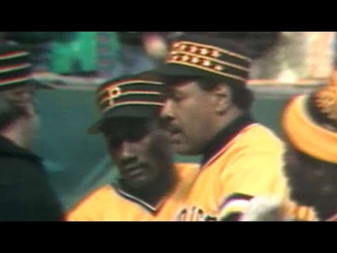 1979 WS Gm4: Stargell leads off 2nd with solo homer