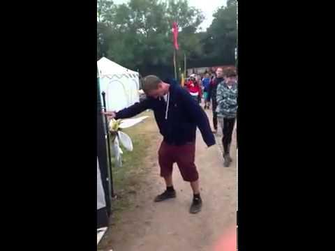 Drunk Man Walk Fail!!!!   Viral