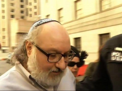 Raw: Freed Spy Pollard Leaves Fed. Court in N.Y.