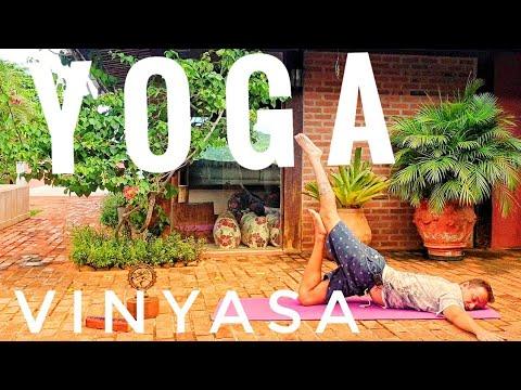aula-de-yoga-online-para-intermediário-|-vinyasa-|-aumente-sua-força-e-energia-|-quarentena-15