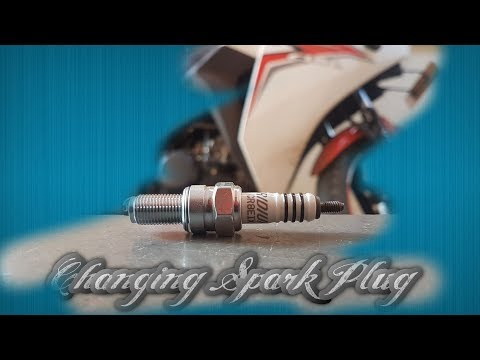 Cbr 150R Spark Plug Replacement/Clean