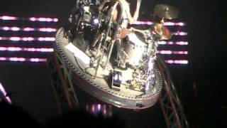 Blink 182 - Travis Barker Drum Solo (I-Day Festival, Arena Parco Nord, Bologna, Italy, 04-09-2010)
