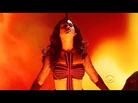 Katy Perry - Dark Horse (Live At The 56th Grammy Awards 2014) ft. Juicy J - 720 HD
