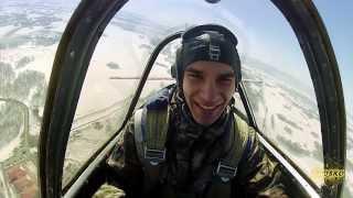 Brosko-podarok. Подарок-приключение - полет за штурвалом спортивного самолета с высшим пилотажем(, 2013-08-15T05:59:25.000Z)
