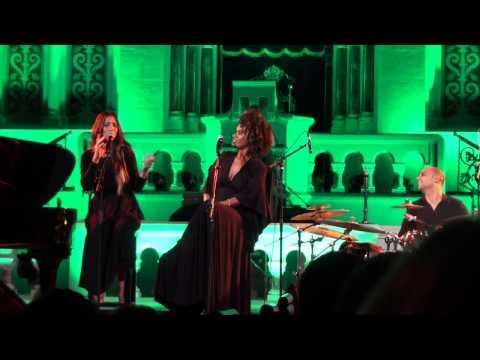 Idan Raichel עידן רייכל - Ana Ana wa Enta Enta - Live in Berlin (10/17)
