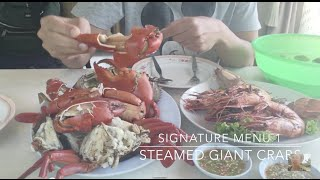 EATING GIANT CRABS in CHANTHABURI, Thailand