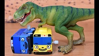 Dinosaurs T Rex Attack Tayo The Little Bus. Tayo Village in Danger