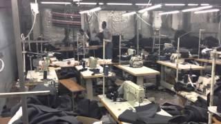 Цех по производству контрафактной одежды ликвидирован в Подмосковье(Пресечено масштабное производство и сбыт контрафактной одежды под брендами известных мировых дизайнерски..., 2013-09-10T13:04:23.000Z)