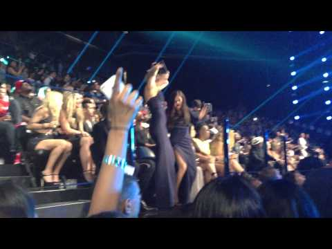 Selena Gomez and Taylor Swift Dancing - VMA 2013