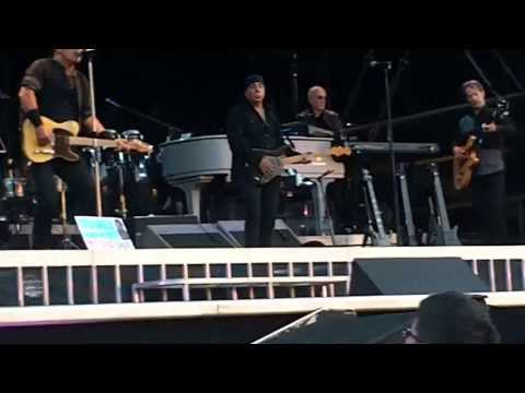 BRUCE SPRINGSTEEN & E S BAND-TOUGHER THAN THE REST-HAMPDEN GLASGOW 18/6/13