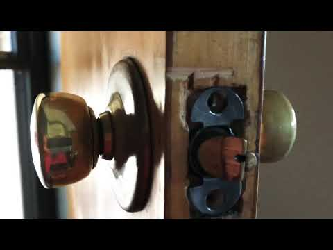 How to Remove a Brass Mid Century Door Knob Handle with no Screw or Latch