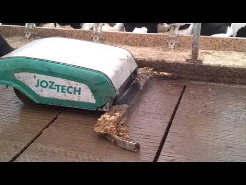 Berkel Beton met Joz mestrobot en sproeiinstallatie