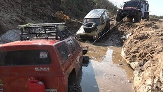 Jeep Cherokee И Land Rover Defender В Грязи ... Axial, Redcat And Trx-4 In Mud
