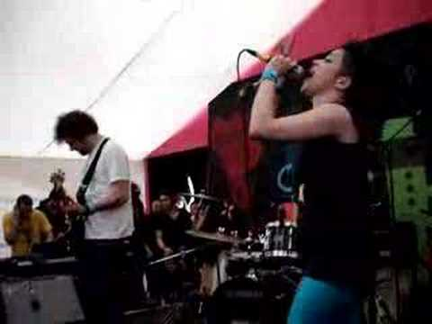 New Young Pony Club - The Bomb live at Glastonbury 2007