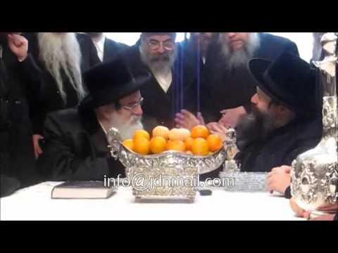 Visnitzer rebbe R' Mendel Visits Bobov 45 Rebbe - Teves 5773