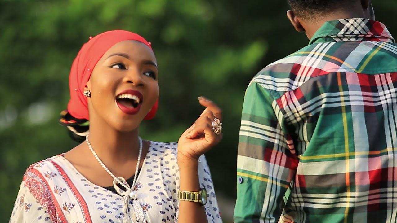 Download Amal Umar - featuring - Musbahu AKA Anfara - 2019 latest  (Music video)
