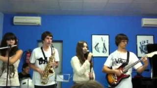 Escola de Música Imma Planas - Dancing in the moonlight (Toploader)