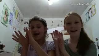 Как мы делаем уроки!!!❤❤❤ завтра новое видео монтировала Виталина моя сестра сама она захотела
