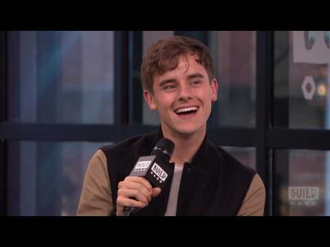 """Connor Franta On His New Book, """"Note To Self"""""""