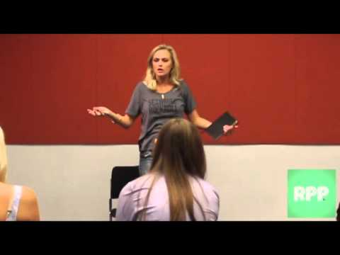 ACTING MASTER CLASS with ELAINE HENDRIX