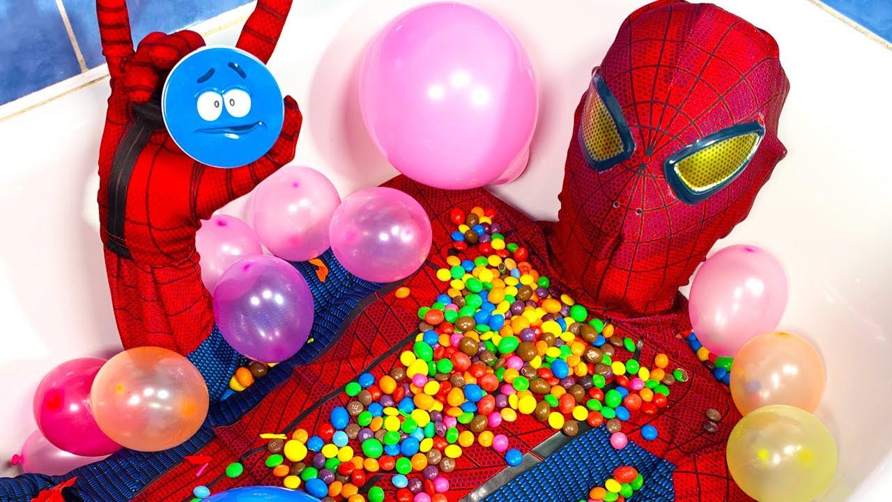 Spider Man Popping Balloons & Open Magic Skittles
