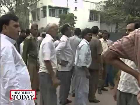 Kanshiram slapped Ashutosh (IBN7)