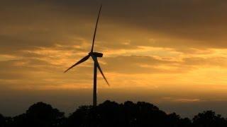 видео Вертикальные ветровые электростанции для дома