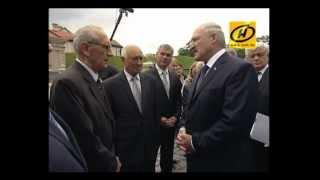 Лукашенко открыл Несвижский замок, видео, 2012(Дворцовый комплекс в Несвиже открылся после реконструкции.Торжественную церемонию несколько раз переноси..., 2012-07-20T14:01:50.000Z)