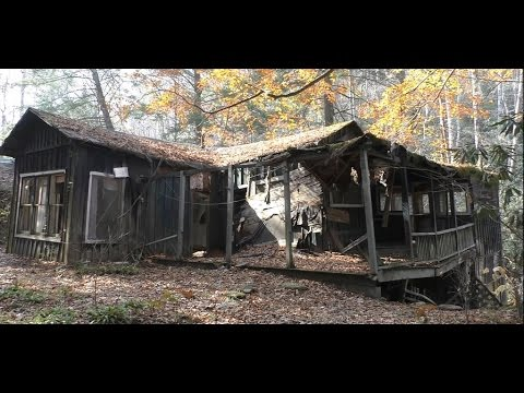 #34 Abandoned Gatlinburg Ghost Town - Elkmont Village!