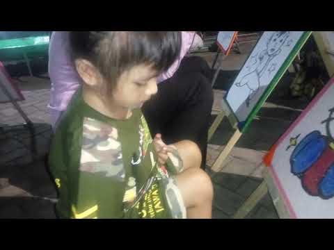 Mewarnai Gambar Hello Kitty Di Bantu Mama Part 2 Youtube