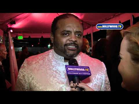 Roland Martin Co-Hosts Magic Johnson's 10th Annual Heroes In The Struggle Gala