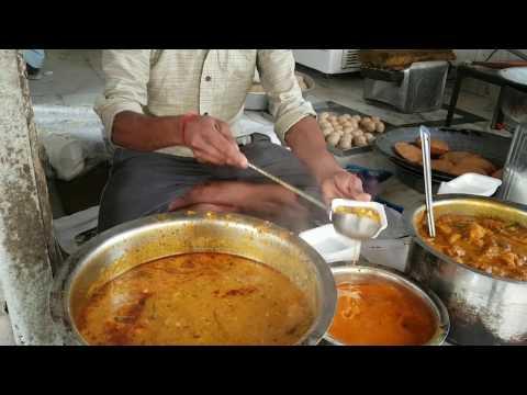 Street Food for breakfast in East Delhi  Lotan Ram , Shyam Laasi .