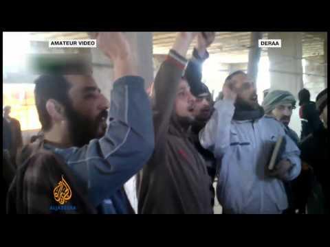 Syrian rebels storm Deraa prison