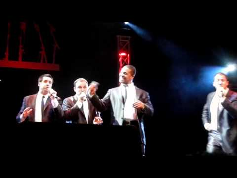Straight No Chaser - Jingle Bells (in Less Than 2 Minutes) Tampa 12/21/10