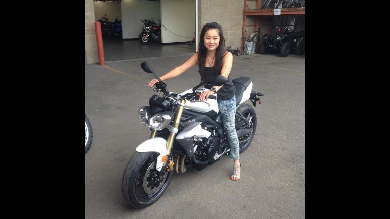 Introduction To My 2014 Triumph Street Triple Youtube