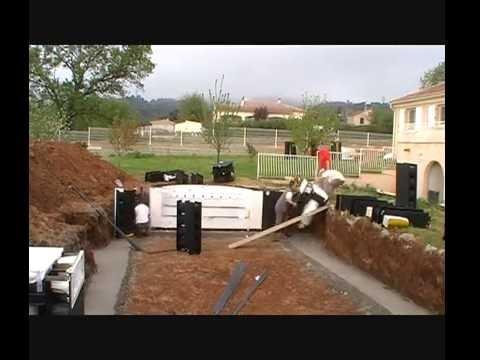 Piscines magiline stopmotion youtube for Construction piscine irribloc