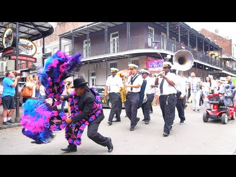 Weekend in New Orleans | Bourbon St | Jackson Sq