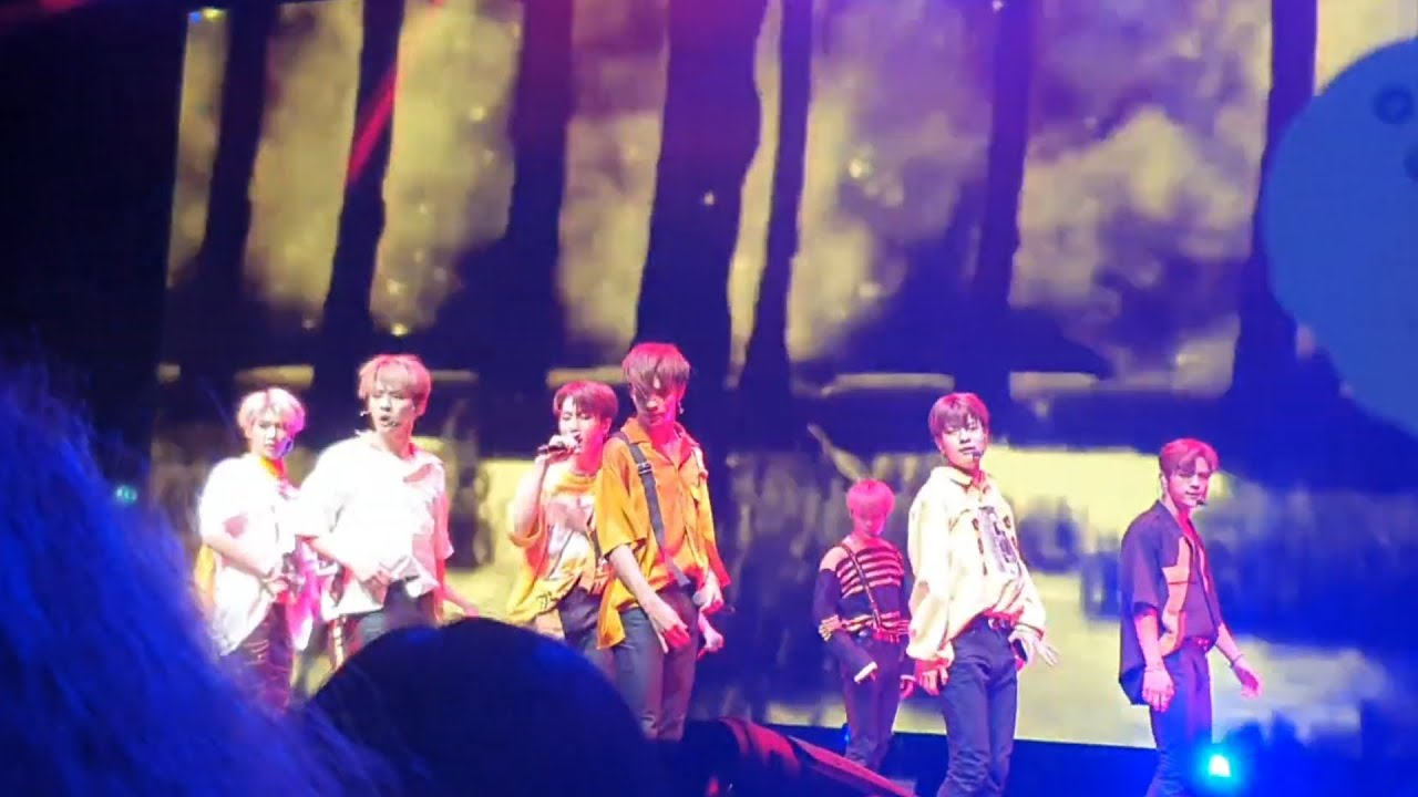 Stray Kids - Voices - Unveil Tour in London | 190728