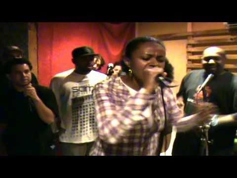 "Freestyle Estudio - MC Stefanie ""Minha Parte"""