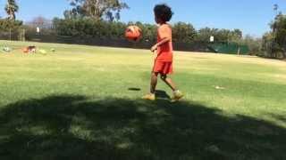 6 year old soccer skill (amazing dribbling, skills, vision)