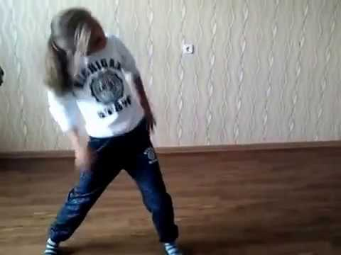 Танец под песню оу гаджи(танцует подруга) youtube.