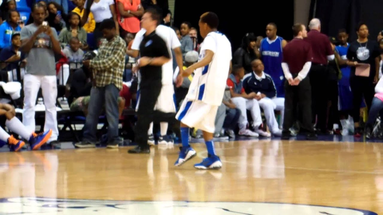 Mindless Behavior at the celebrity basketball game - YouTube