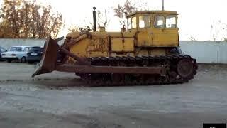 Трактор - бульдозер Т-180Г в работе -
