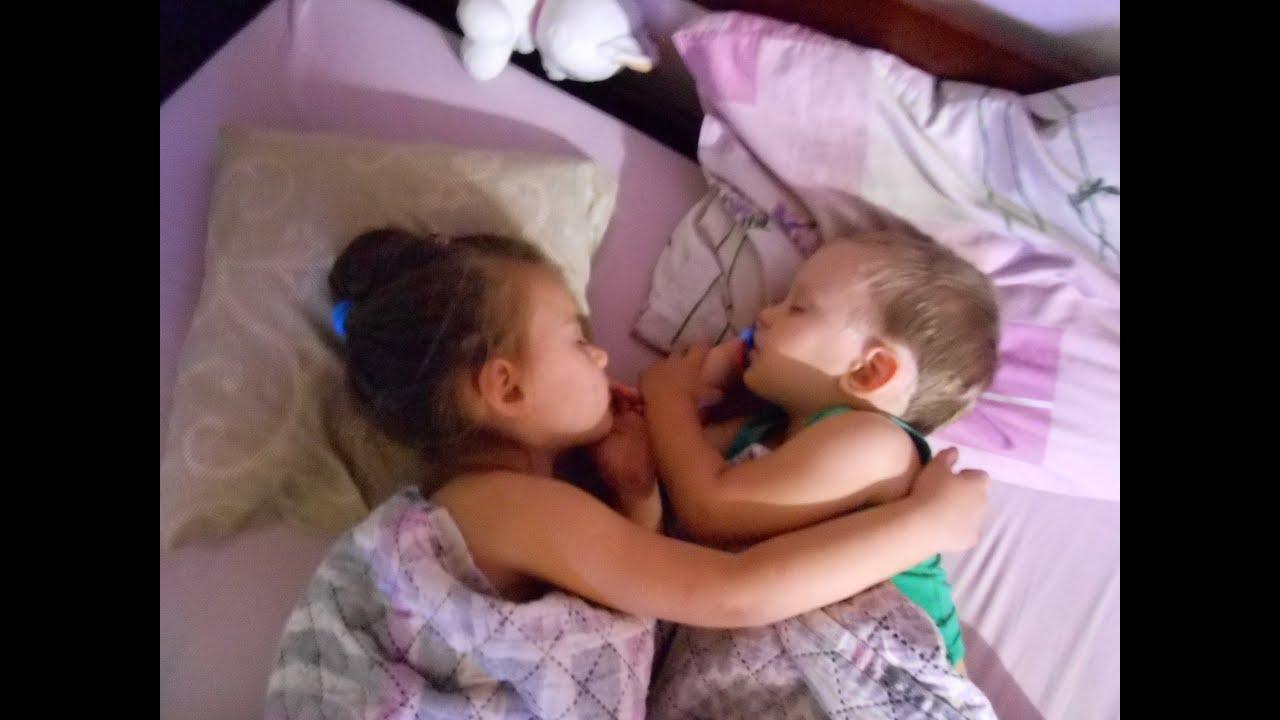 смотреть порно видео брат с сестрой бесплатно