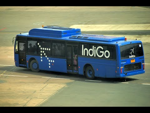 Indigo Bus glass broken after Jet Blast from a Spicejet flight, 5 passengers injured | DASTAK INDIA