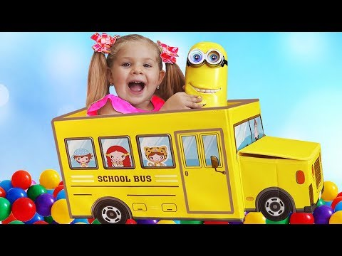 Diana plays with new toys and balls, Wheels on the Bus song