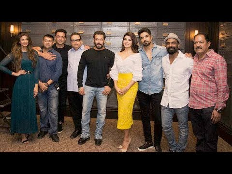 Salman Khan's Race 3 Party At Galaxy Apartment | Jacqueline Fernandez, Bobby Deol,Remo D'souza